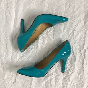 Nine West Turquoise Pointed Toe Pumps